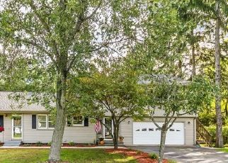 Foreclosed Home in South Windsor 06074 MANOR LN - Property ID: 4507734974