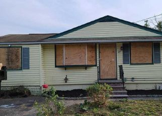 Foreclosed Home in Huntington 11743 CROLEY ST - Property ID: 4508040215