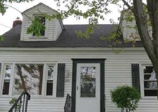 Foreclosed Home in Syracuse 13224 FENWAY DR - Property ID: 4508163741