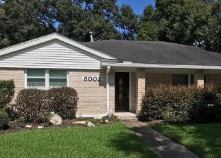 Foreclosed Home in Houston 77035 ARBOLES DR - Property ID: 4508218487