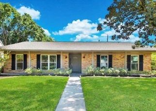 Foreclosed Home in Houston 77035 LATTIMER DR - Property ID: 4508223749