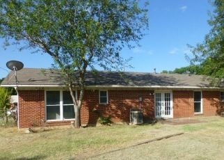 Foreclosed Home in Mineral Wells 76067 NE PARK DR - Property ID: 4508226365