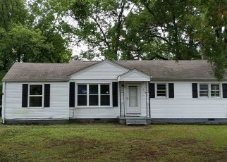 Foreclosed Home in Tullahoma 37388 RAGAN ST - Property ID: 4508242127