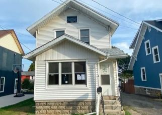 Foreclosed Home in Akron 14001 ECKERSON AVE - Property ID: 4508325350
