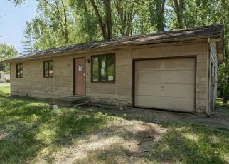 Foreclosed Home in Warsaw 46580 S REDWOOD RD - Property ID: 4508439216