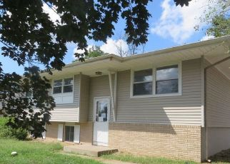 Foreclosed Home in Quincy 62301 BROOKMEADE DR - Property ID: 4508446670