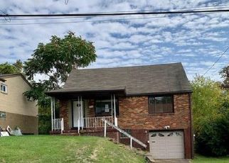 Foreclosed Home in Pittsburgh 15235 ANTHON DR - Property ID: 4508695433