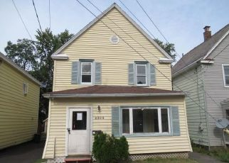 Foreclosed Home in Schenectady 12306 FAIRLEE ST - Property ID: 4508760701