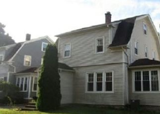 Foreclosed Home in Newington 06111 STYLES AVE - Property ID: 4508847860