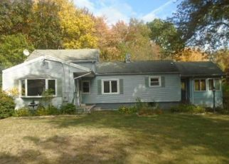 Foreclosed Home in Plainville 06062 S WASHINGTON ST - Property ID: 4508868886