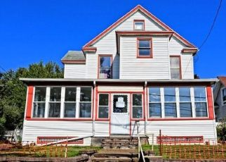 Foreclosed Home in Milford 06461 NAUGATUCK AVE - Property ID: 4508872826