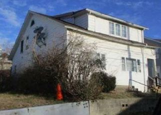 Foreclosed Home in Bridgeport 06606 SALEM ST - Property ID: 4508883324