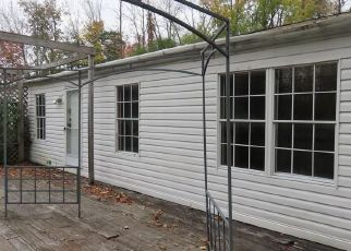 Foreclosed Home in Waterloo 13165 LARSEN RD - Property ID: 4508959988