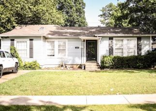Foreclosed Home in Fort Worth 76109 WINFIELD AVE - Property ID: 4509004652