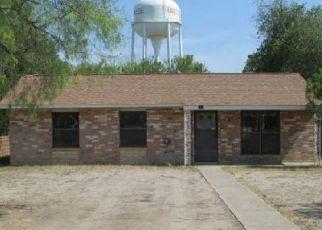 Foreclosed Home in Uvalde 78801 E OPPENHEIMER ST - Property ID: 4509023482