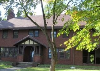 Foreclosed Home in Akron 44310 N HOWARD ST - Property ID: 4509031360