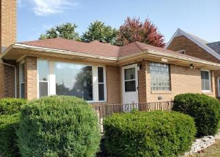 Foreclosed Home in South Bend 46628 BONDS AVE - Property ID: 4509169773
