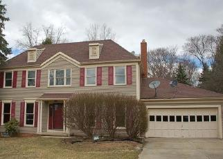 Foreclosed Home in Solon 44139 N BURR OAK DR - Property ID: 4509192988