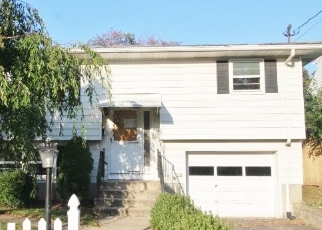 Foreclosed Home in Waterbury 06705 BRENTWOOD AVE - Property ID: 4509260875