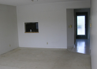 Foreclosed Home in Hollywood 33024 BERKLEY RD - Property ID: 4509273115