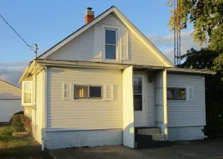Foreclosed Home in Tiskilwa 61368 KENTVILLE RD - Property ID: 4509283192