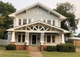 Foreclosed Home in Cushing 74023 E BROADWAY ST - Property ID: 4509319554