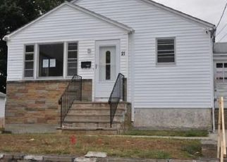 Foreclosed Home in North Providence 02911 WHITE CT - Property ID: 4509330951