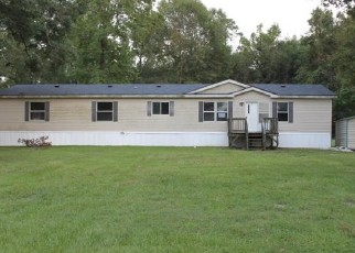Foreclosed Home in Vidor 77662 E BOLIVAR ST - Property ID: 4509339705