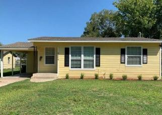 Foreclosed Home in Victoria 77901 E SABINE ST - Property ID: 4509350652