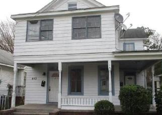 Foreclosed Home in Portsmouth 23707 BROAD ST - Property ID: 4509384367