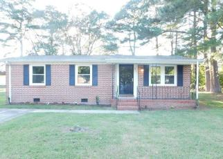Foreclosed Home in Suffolk 23434 KINSEY LN - Property ID: 4509389185