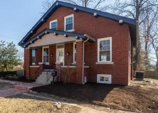 Foreclosed Home in Saint Louis 63135 ROYAL AVE - Property ID: 4509396640