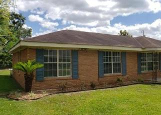 Foreclosed Home in Lafayette 70507 SAINT HILARY DR - Property ID: 4509412851