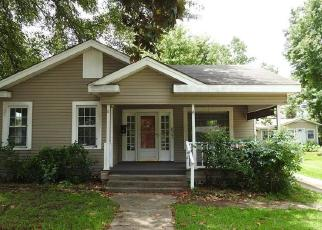 Foreclosed Home in Shreveport 71104 FAIRVIEW ST - Property ID: 4509435620