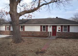 Foreclosed Home in Kansas City 66106 S 50TH ST - Property ID: 4509542928