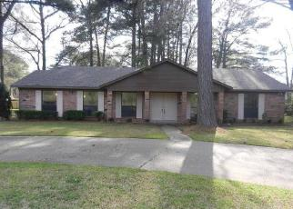 Foreclosed Home in Shreveport 71106 ELLERBE RD - Property ID: 4509630961