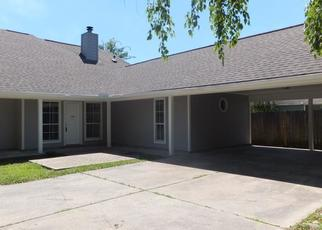Foreclosed Home in Baton Rouge 70817 LAKEFIELD AVE - Property ID: 4509631390