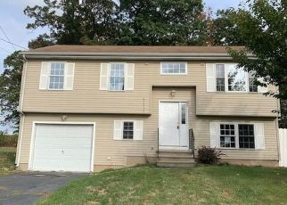 Foreclosed Home in New Britain 06053 STONEGATE RD - Property ID: 4509727750