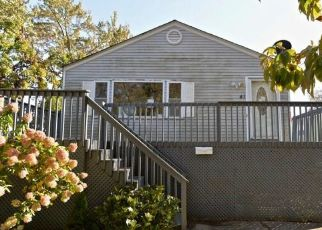 Foreclosed Home in East Haven 06512 ARDEN ST - Property ID: 4509729945