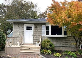 Foreclosed Home in East Islip 11730 E MADISON ST - Property ID: 4509730366