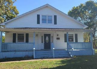 Foreclosed Home in Bay Shore 11706 ACKERSON BLVD - Property ID: 4509731690