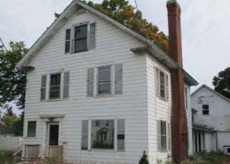 Foreclosed Home in Newport 04953 SHAW ST - Property ID: 4509735628