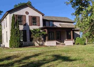Foreclosed Home in Rockford 61101 N MERIDIAN RD - Property ID: 4509782940