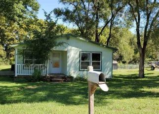 Foreclosed Home in Junction City 66441 EDGEWATER DR - Property ID: 4509908627