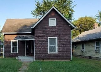 Foreclosed Home in Indianapolis 46219 S GRAND AVE - Property ID: 4509959877