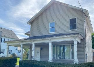 Foreclosed Home in Jermyn 18433 WASHINGTON AVE - Property ID: 4510056669