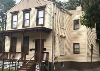 Foreclosed Home in Bridgeport 06608 BARNUM AVE - Property ID: 4510541495