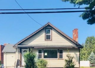 Foreclosed Home in West Haven 06516 W SPRING ST - Property ID: 4510550249