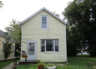 Foreclosed Home in Evansville 47710 UHLHORN ST - Property ID: 4510696992