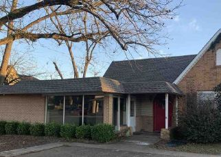 Foreclosed Home in Carthage 75633 W PANOLA ST - Property ID: 4510795525